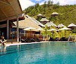 Resort-Moorea-mare